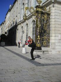 Bf4_02chasse_frontal_retour_place_stanislas.jpg